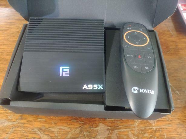 Android TV приставка A95x f2 4/32 Gb + пульт airmaus с микрофоном.