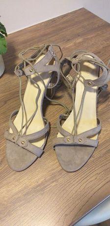 Sandałki 41 wiązane dookoła kostki NOWE