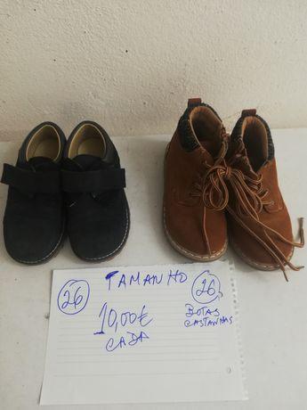Sapatos de criança impecáveis