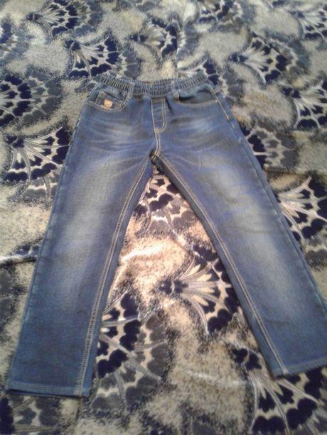 Продам джинсы на флисе на мальчика