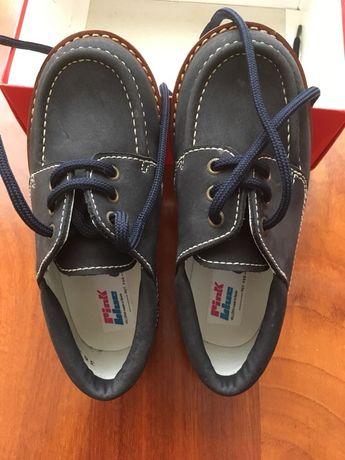 Sapatos azul marinho crianca novos