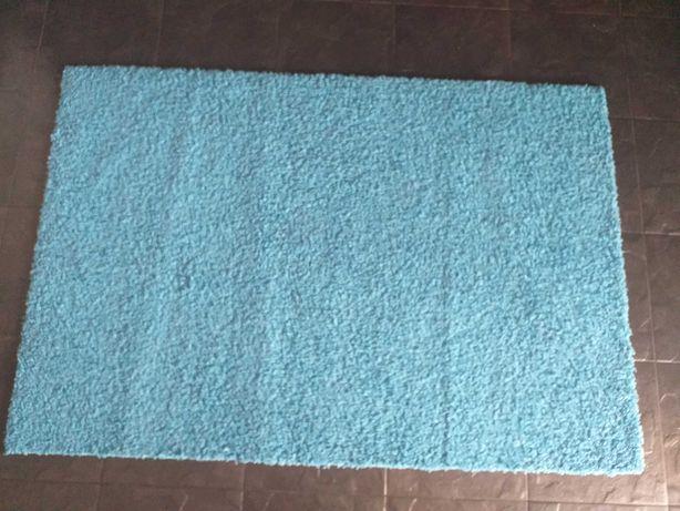 Vendo tapete azul em bom estado
