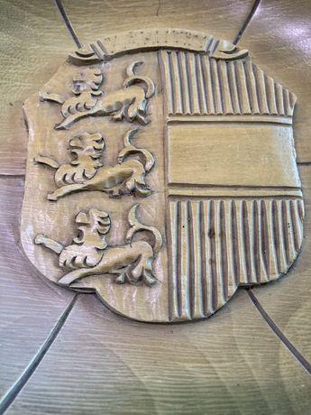 Drewniany talerz z wypukłym herbem Karyntia (Kärnten)