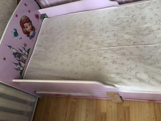 Продається ліжко для дівчинки