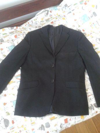 Черный пиджак для школьника