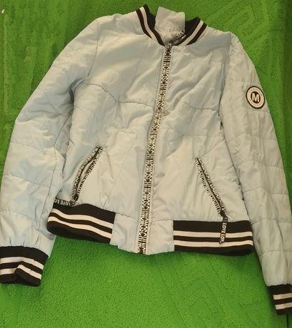 Хороша спортивна куртка на весну - осінь