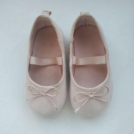 Туфельки h&m для малышки 18-19 размер