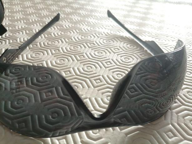 Óculos de sol pretos de ciclismo
