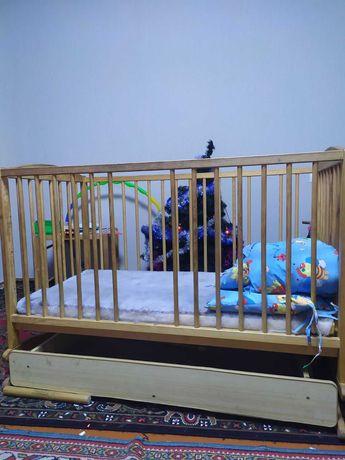 Детская кроватка-манеж в хорошем состоянии
