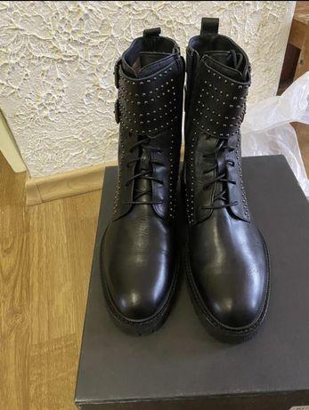 Черевики,ботинки ,сапоги,чоботи angelo bervicato