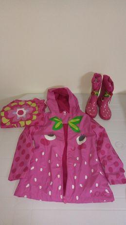 Casaco, camisola e botas