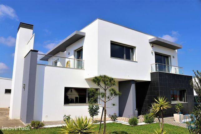 Moradia - 266 m² - T5