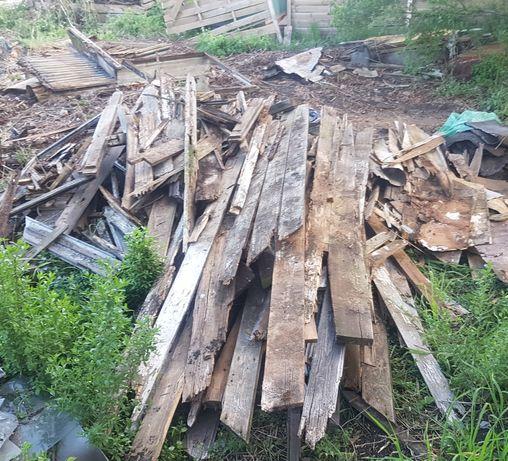Drewno z rozbiórki szopy z lat 50