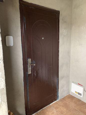 Продам дверь бу