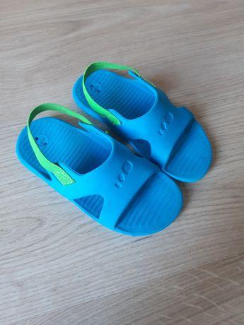 Klapki sandałki Decatlon Nabaiji r. 25 26 jak nowe niebieskie