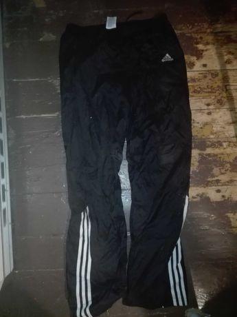 Dresy adidas z trzema paskami na dole
