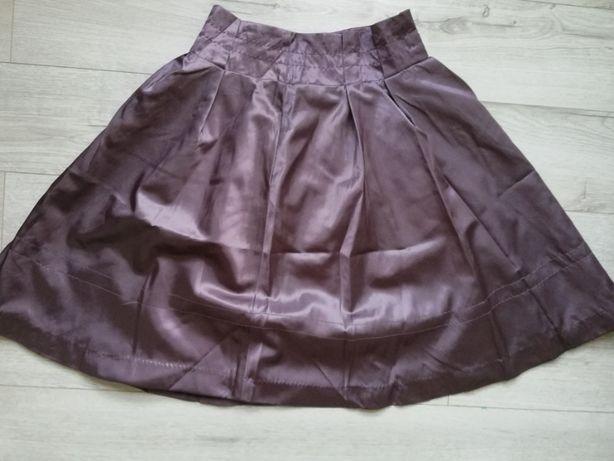 Rozkloszowana spódnica Reserved 36