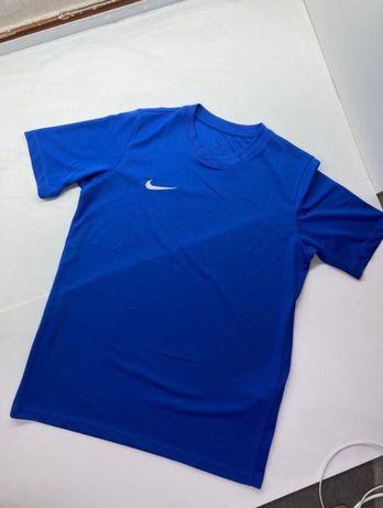 Мужская футболка спортивная nike