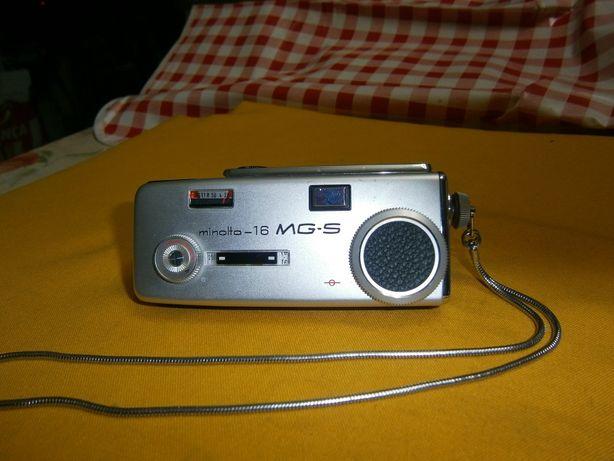 camera antiga Minolta 16 MG-S modelo agente secreto