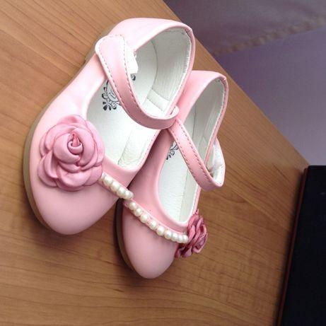 Новые Туфли на девочку 23