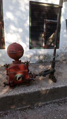 Bomba de puxar agua manual antiga