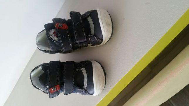 Buty chłopięce rozmiar 19