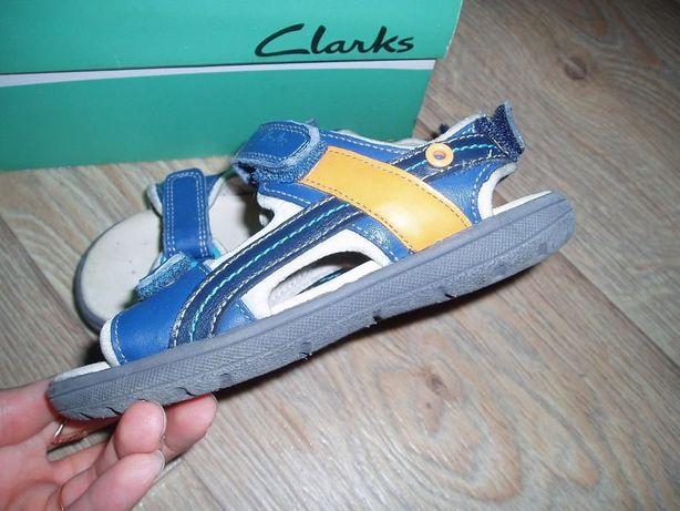Фирменные босоножки CLARKS 27,5р.( на ногу 16.5 см.) натуральная кожа
