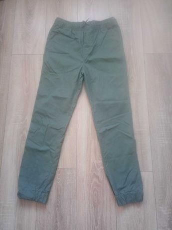 Zielone spodnie na 170 cm