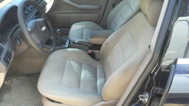 Komplet siedzeń plus boczki Audi A6 C5 kombi