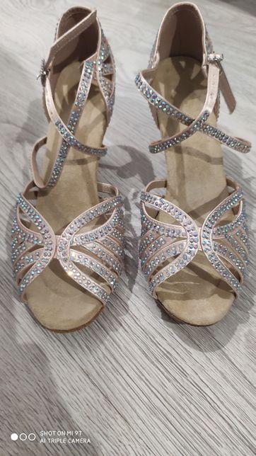 Buty ślubne taneczne damskie