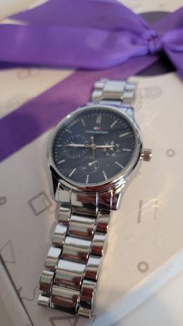 Zegarek Tommy Hilfiger, nowy.