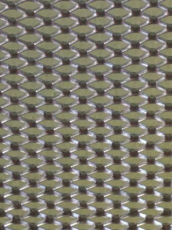 Сетка 2*8мм, для ульев и пчел