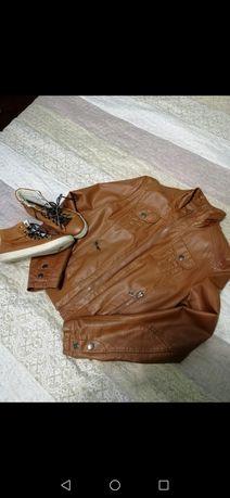 Куртка і кеди