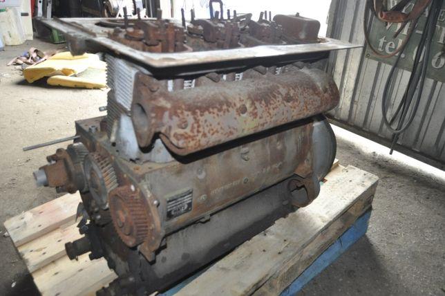 silnik hatz 4L40C kolektor wydechowy
