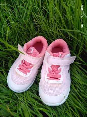 Кроссовки детские Nike, 21. Летние, сетка. Состояние отличное.Оригинал