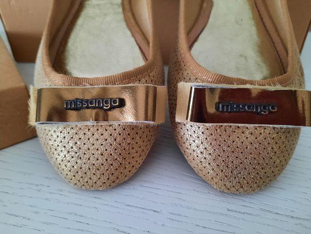 Sapato missanga dourado