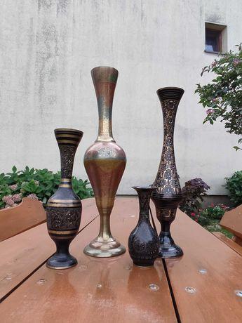 Metalowe wazony indyjskie