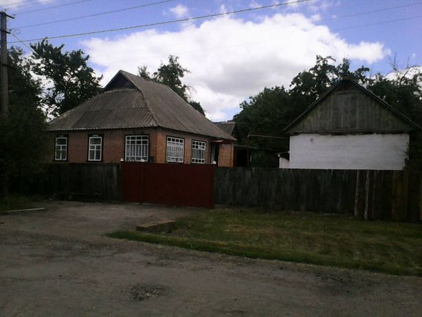 Продам дом с. Новая Кочубеевка Полтавская область не дорого.