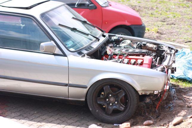 BMW E30 coupe 320
