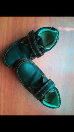Взуття для хлопчика,3 шт/160 грн