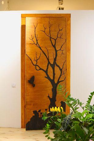 Деревянная дверь на заказ по индивидуальному дизайну