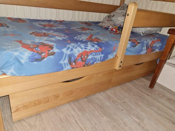 Продам детскую кровать,натуральное дерево