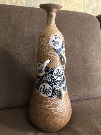 Китайская ваза ручной работы.