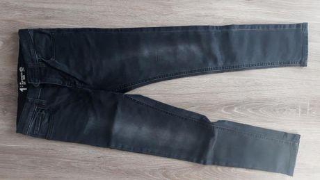 Czarne spodnie jeansowe DENIM rozmiar 146