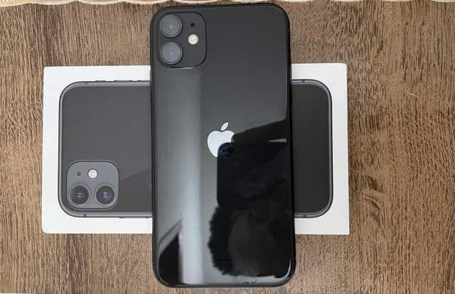 iPhone 11 64GB COMO NOVO - 1 ANO DE GARANTIA