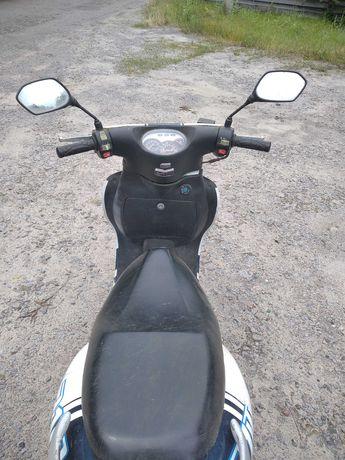Продам скутер в Чернигове
