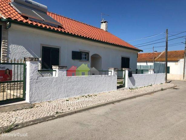 Moradia Térrea Isolada - T3+1 com piscina no Bairro Alentejano