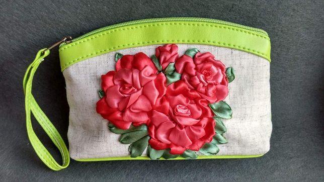 Косметичка ручной работы, косметичка с розами, вышитая косметичка