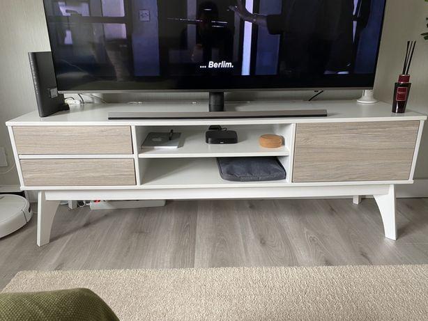 Aparador de Tv