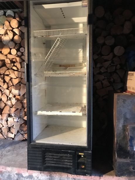 Холодильник - вітрина